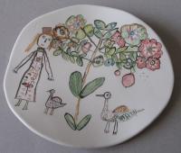 Женщина и птицы (тарелка)